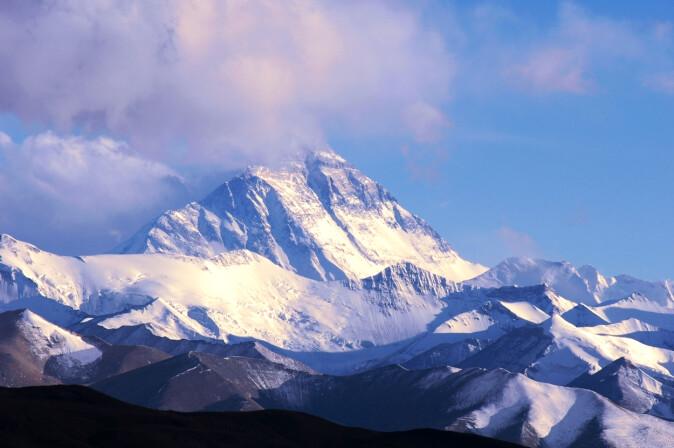 Mount Everest er verdens høyeste fjell, og de færreste kommer opp uten bruk av oksygen.