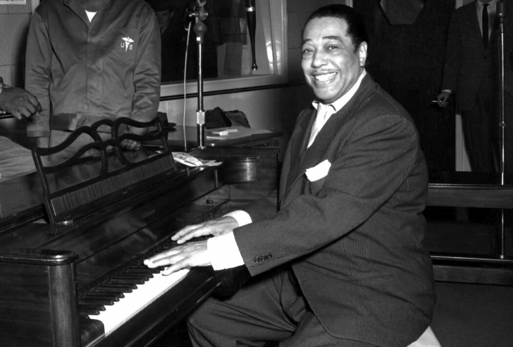 Jazzmusikeren Duke Ellington var sentral i Harlemrenessansen. Han fikk sitt gjennombrudd på The Cotton Club i Harlem, New York og ble verdenskjent på 1930-tallet.