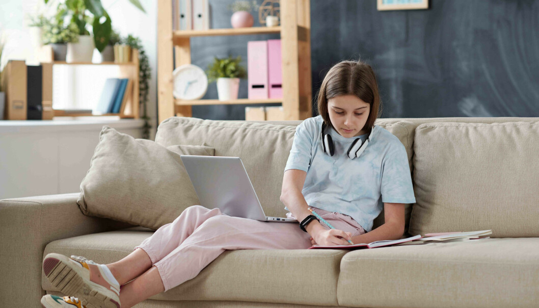 Forskerne vil undersøke lærernes erfaringer med hjemmeskole i korona-situasjonen og hvordan det går for elever som har mye fravær.