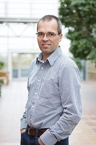 - Krisetiltakene kan få noen bedrifter til å permittere flere enn nødvendig og senke produksjonen for å komme innenfor tiltakene, sier økonomiprofessor Ragnar Torvik ved NTNU.