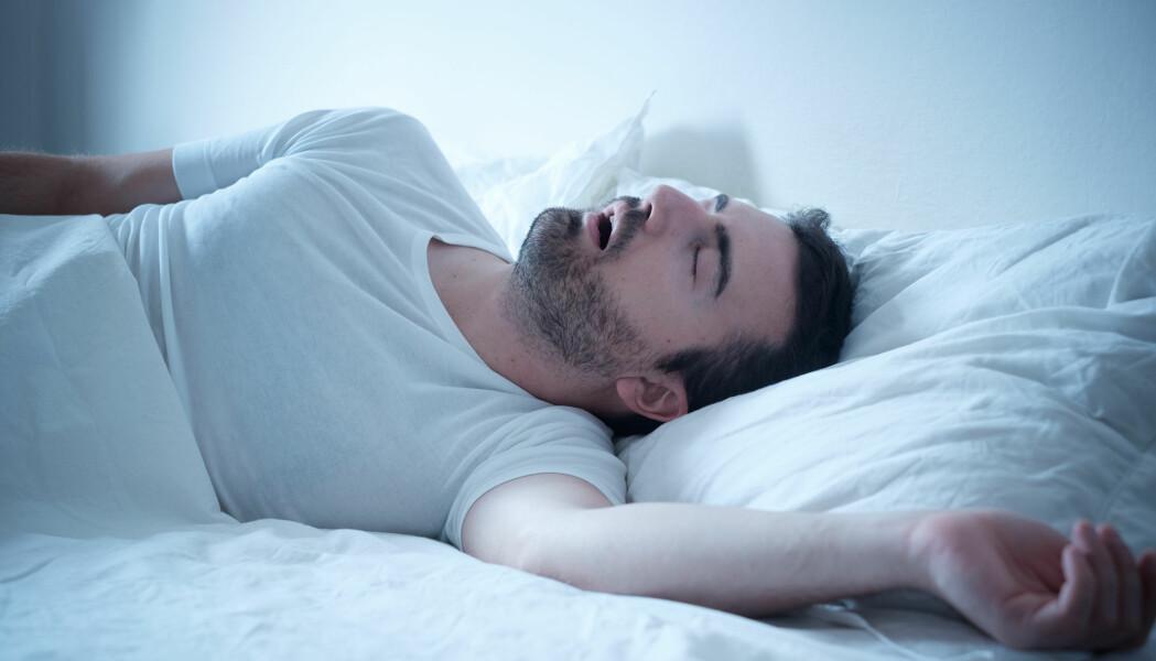 De fleste vet at syv til ni timers søvn anbefales og er viktig for helsa i lengden. Men de fleste vet kanskje ikke at å legge seg og stå opp til samme tid hver dag også har mye å si.