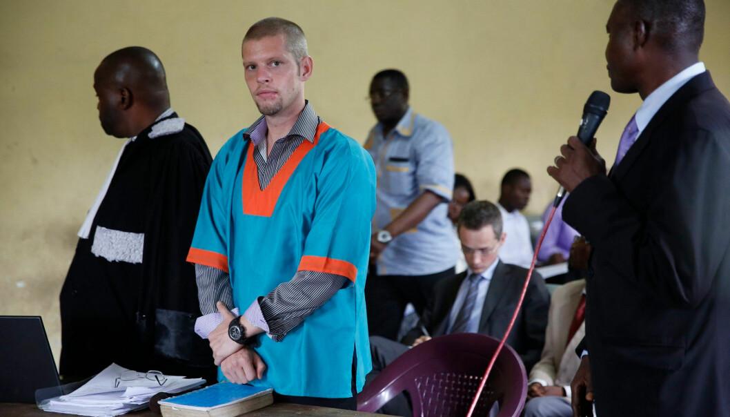Dette bildet er fra rettssaken mot Joshua French i Kinshasa, Kongo, 2014. French var da tiltalt for drapet på medfange og kamerat Tjostolv Moland, som ble funnet død på cella i august året før.