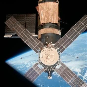 Skylab, den første amerikanske romstasjonen, med Apollo Telescope Mount som bar flere solforskningsinstrumenter. (Foto: NASA)