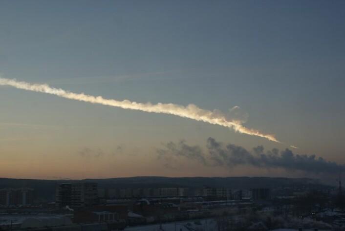 Rundt 1000 mennesker ble skadet da en 18 meter bred meteoritt traff Russland i februar i år. (Foto: Wikimedia commons)