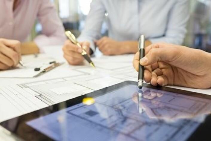 Norske IT-forskere jobber tettere på menneskene og bedriftene enn sine utenlandske kollegaer. (Foto: Idprod, Microstock)