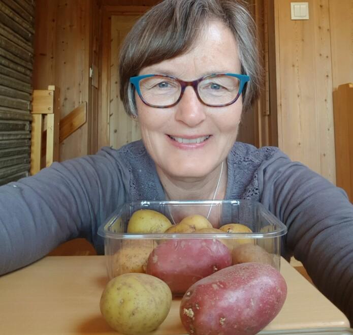 Nofima-forsker Hanne Larsen har studert flere ulike potetsorter, under ulike lysforhold og ved ulike lagringstemperaturer.