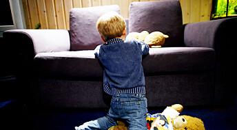 Trangbodde barnefamilier føler seg mest isolert under koronakrisen