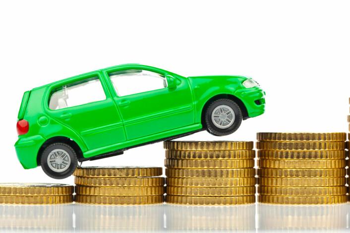 Øremerkes pengene til miljøtiltak, kan et flertall akseptere økte drivstoffavgifter. (Foto: Colourbox)