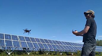 Intelligente droner finner feil i store solcelleparker