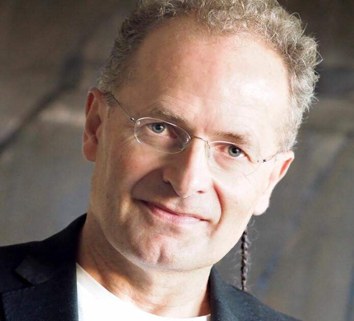 Professor Espen Røysamb, leder av PROMENTA-senteret, planlegger for forskning også etter koronakrisen. Hva vil utryggheten vi opplever nå føre til?