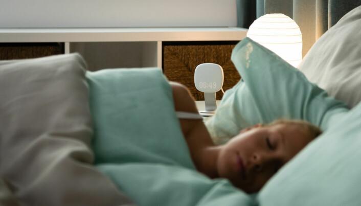Somnofy-monitoren er kontaktløs: Man slipper elektroder på kroppen og sover fritt.