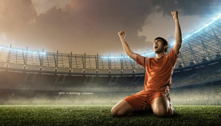Forskere: Bare liten risiko for koronasmitte på en fotballbane