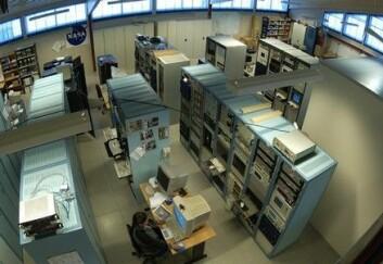 """""""Fra NASAs kontrollrom ved SvalSat kontrolleres mange av organisasjonens polarbanesatellitter."""""""