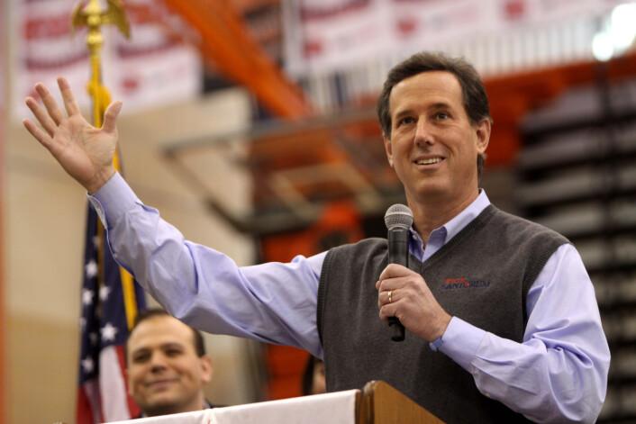 Rick Santorum snakker på Valley High School in West Des Moines i Iowa. (Foto: Wikimedia Commons)