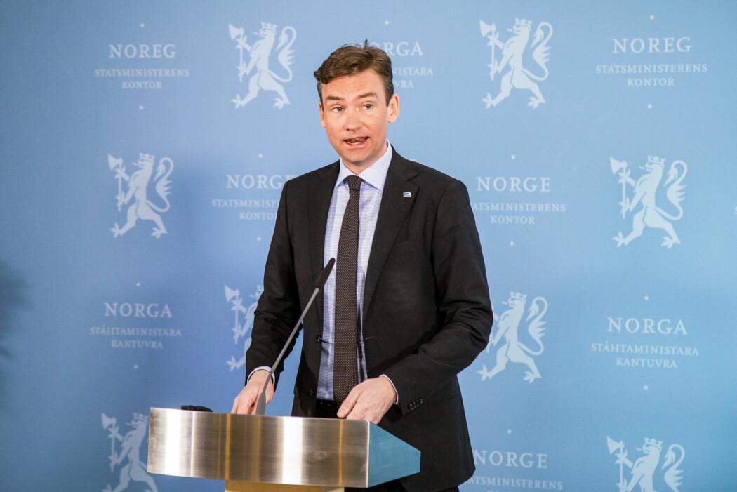 Forsknings- og høyere utdanningsminister Henrik Asheim (H) er glad for høy tillit til forskning i befolkningen.