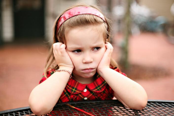 – Ved å reagere avvisande på barns sinne i barnehagen, påverkar vi evna deira til å løyse konfliktar seinare i livet, meiner forskar. (Foto: iStockphoto)