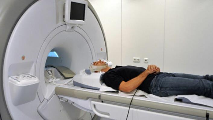 Ved hjelp av fMRI-skanning (bildet) og positiv feedback har forskere trent opp sine forsøkspersoner til å kontrollere aktiviseringen av en hel hjernehalvdel. (Foto: MPI of Psychiatry/Illustrasjonsfoto)