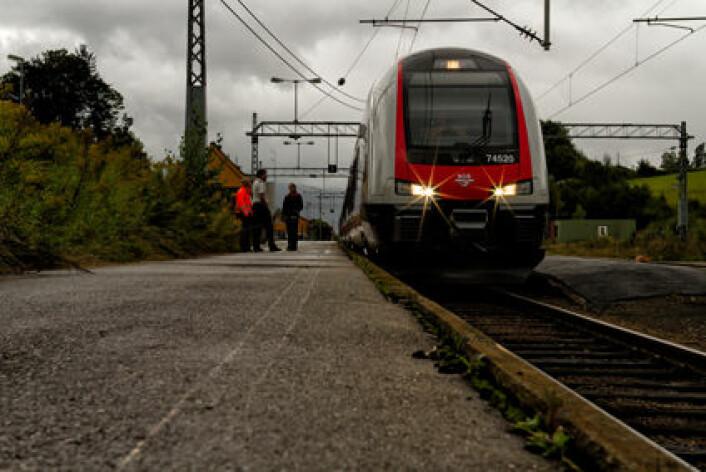 Tiden er ikke like mye verdt for alle – og verdien av tiden er ikke den samme for den som tar et vanlig tog som den er for den som tar et lyntog. (Foto: Christian Niclas Nordmark, NSB)