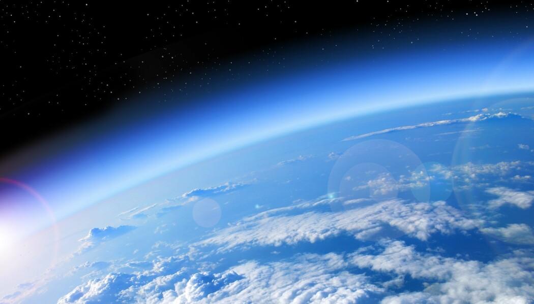 I teorien kan det finnes store steinplaneter med atmosfære av hydrogen. Er det noe som kan leve der? Bildet viser jorda.
