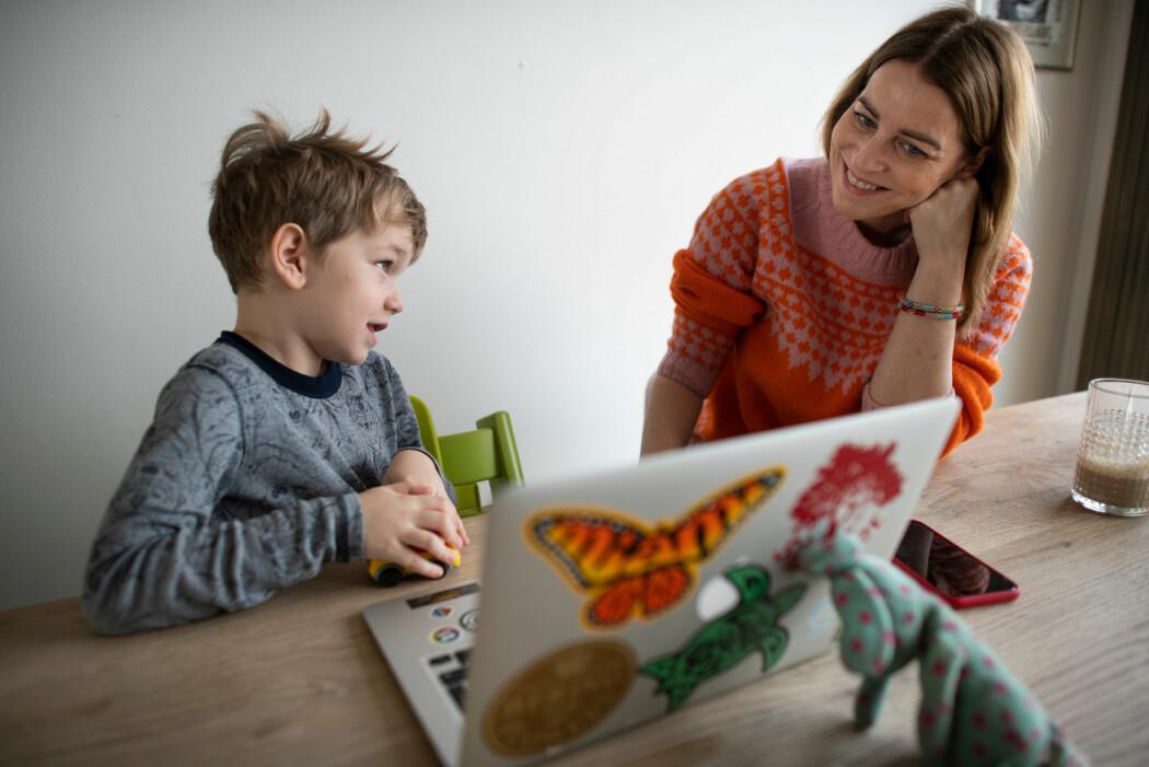Mens de hadde hjemmeskole, kommuniserte bare en tredjedel av elevene på småtrinnet med læreren en gang i uka eller sjeldnere, viser en undersøkelse.