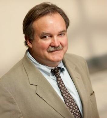 Edgar Miller, professor i medisin, går til kraftig angrep på vitamin-industrien. (Foto: John Hopkins University)