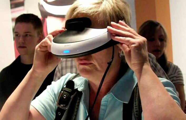 Sonys videobrille HMZ-T1 på IFA-messen i Berlin september 2011 (Foto: Arnfinn Christensen)