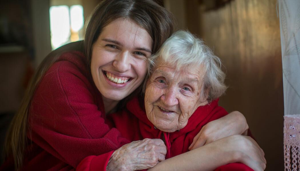 Rundt 60 prosent av de som gir omsorg til sine foreldre, er kvinner. For dem startet nedgangen i inntekt allerede før foreldrene døde, i den perioden de ga omsorgen.