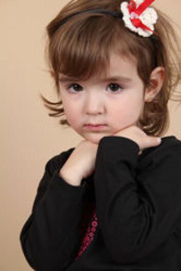 Barn med selektiv mutisme ønsker å snakke, men de klarer det ikke. (Foto: Shutterstock)
