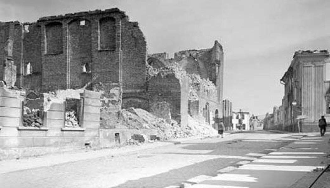 Den lille byen Demmin i det nordøstlige Tyskland har i dag litt over 10 000 innbyggere. Et sted mellom 700 og 1000 mennesker tok livet av seg da byen ble erobret av Den røde hær. Her en kirke som ble ødelagt under kampene om byen.