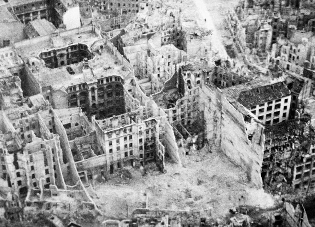 I dag mangler det ikke bøker og dokumentarer som forteller om 2. verdenskrig. Men noen temaer har vært lite belyst. Tyskernes egne lidelser under krigens siste dager har vi hørt mindre om. Her Berlin.