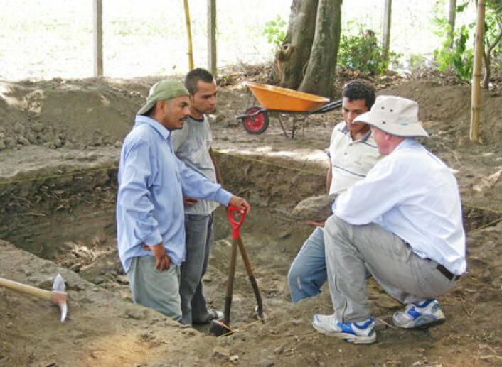 Arkeologisk utgraving i Ceren, mayalandsbyen som ble begravd av vulkanaske for 1400 år siden. (Foto: Payson Sheets, University of Colorado)