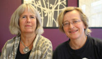 Forskerne Hanne Kristensen og Beate Øhrbeck gir stemme til de tause barna. (Foto: Elin Fugelsnes)