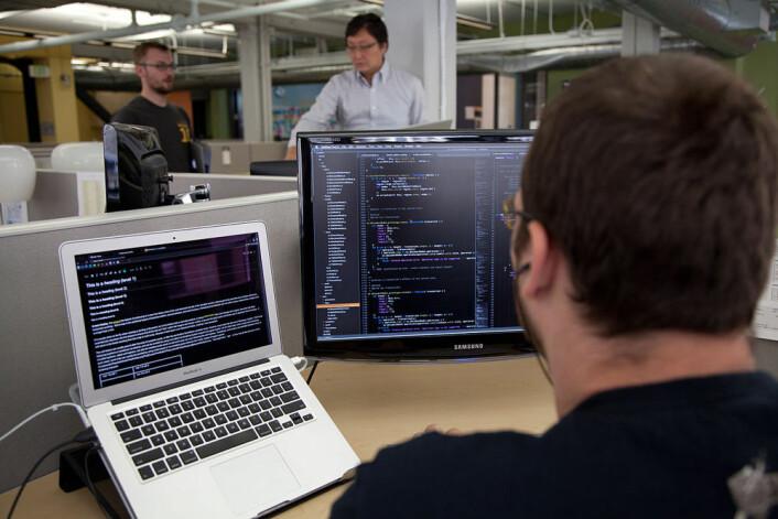 Programmere må lære å arbeide slik næringslivet forventer, mener Morten Goodwin, førsteamanuensis ved Universitetet i Agder. (Foto: Matthew Roth, Wikimedia Commons)