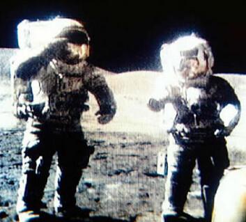 """""""Månefarerne brukte bleier under sine lange opphold på månen. Ombord i Apollo-romfartøyet hadde de primitive og grisete toalettforhold."""""""