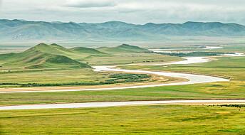 Kinesiske og norske forskere har gravd et nesten 600 meter dypt hull på Tibetplatået. Det gjør at de kan se langt tilbake i tid.