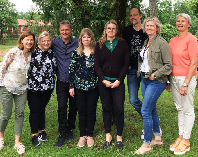Fagpersoner fra flere felt har utviklet kunnskap som skal gi sykepleierstudenter noe mer enn tradisjonell undervisning og praksis. Fra venstre: Katrine H. Wilhelmsen (USN), Linn Marie Straith (Blakstad), Arne Lillelien (Blakstad), Miriam Mosleh (Blakstad), Inger Hilde Vik (Blakstad), Jan Hammer (Blakstad), Trude Bjørnstad (tidligere Blakstad) og Marthe Lyngås Eklund (USN).