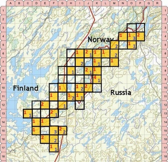 Antall brunbjørn påvist i hårfelleprosjektet i 2019. Studieområdet er delt inn i ruter på 5 x 5 km. Tallet representerer antall identifiserte bjørner i hver av de 58 cellene (røde tall = hunner, blå tall = hanner).