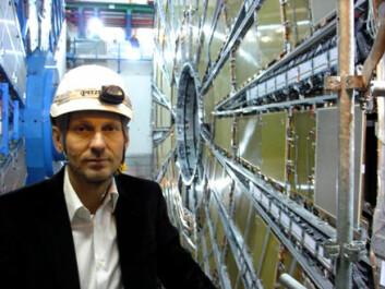 """""""Professor i eksperimentell partikkelfysikk Steinar Stapnes (46) er nestleder for ATLAS-prosjektet, der flere enn tusen forskere er involvert. (Foto: Espen Eggen)"""""""