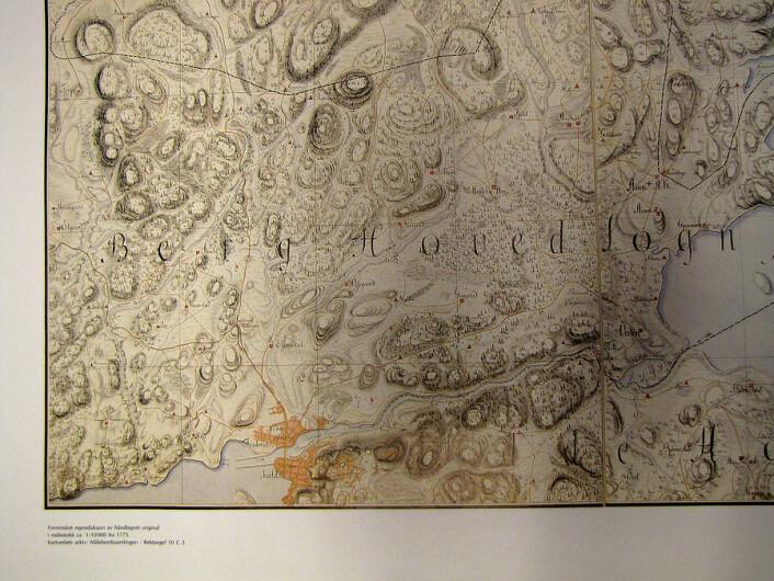 De danske offiserene håndtegnet vakre kart med mange detaljer i målestokken var 1:10 000. Dette kartet over Haldensområdet er fra 1775. (Foto: (Fra Kartverkets arkiv))
