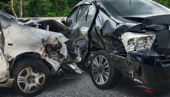 I verden dør ti ganger så mange mennesker daglig i trafikkulykker som det dør i krig og konflikter. Trafikkulykker koster rundt 3500 menneskeliv hver dag. I Norge er tallet på døde i trafikken gått kraftig ned.