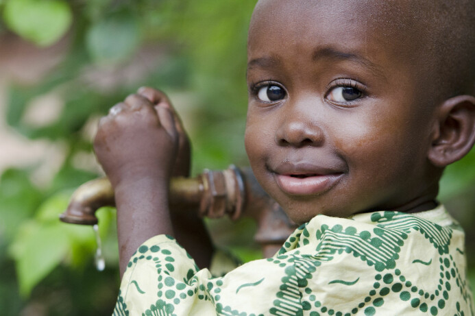 Midt under koronakrisen dør det hver dag trolig tre ganger så mange barn under fem år i verden, som det dør mennesker av covid-19. Akkurat som koronadødsfallene, kunne også disse dødsfallene ha vært forhindret.