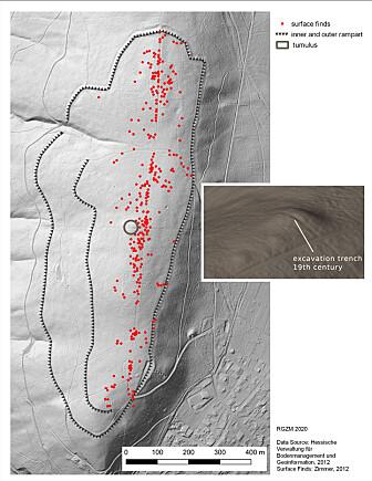 Oversiktbilde over åsen hvorm funnet ligger. Den lille ringen i midten av bildet viser haugen