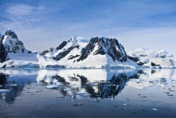 Varmere hav og is som smelter, blant annet i Antarktis, vil gjøre at havet kommer til å stige gjennomsnittlig 2,3 meter per grad temperaturen går opp de neste 2000 årene. (Foto: Colourbox)