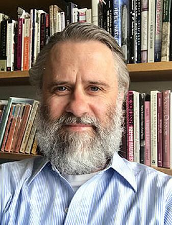 Michael Lundblad forsker på forestillinger om animalitet, sykdom og menneskelighet i kulturelle fortellinger, som filmer og bøker.
