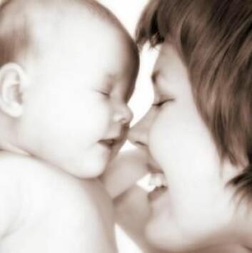 Evnen til å bli forelsket starter allerede når vi er spedbarn. Det handler om prosessen der vi knytter oss til andre mennesker. (Foto: Colourbox)