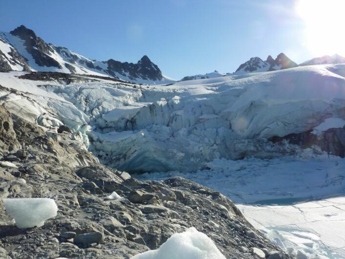 Jøkulhlaupurer i Koppangen. Fenomenet  oppstår når vann oppdemt av en isbre trenger ut. Dette kan skje brått og gjøre store skader på omgivelsene. (Foto: Miriam Jackson)