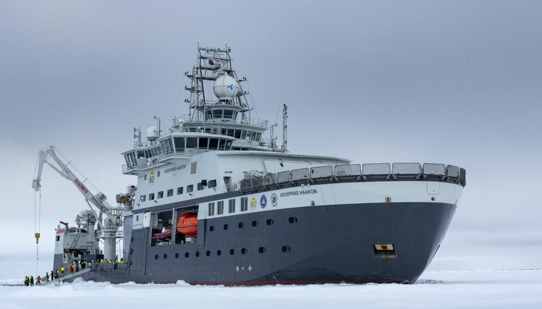 FF Kronprins Hakon på tokt i Barentshavet for Arven etter Nansen.