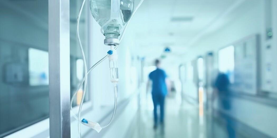Hva kan få sykehusleger til å fortsette på arbeidsplassen sin?