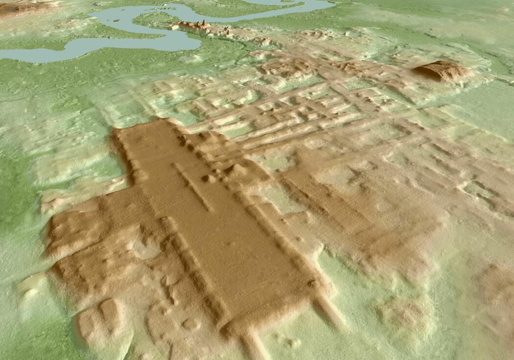Denne digre plattformen, i brunt, er mer enn 1400 meter lang og nesten 400 meter bred. Den ble brukt til serimoniell astronomi.