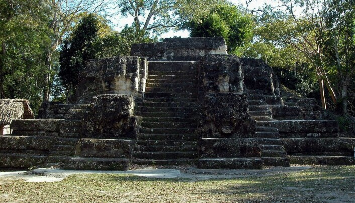 Et eksempel på et senere, men lignende anlegg i Guatemalam kalt Uaxactun. Dette stammer fra rundt